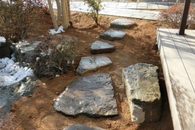 今どきの庭に石なんてって思っているあなたへ Part1