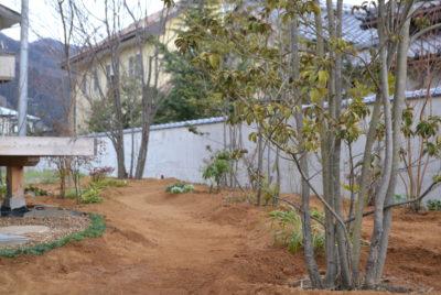 里山のような雑木のお庭作り