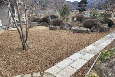 お庭の雑草対策(最強対策!)